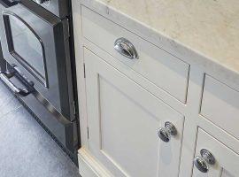 Chiddingfold-White-Shaker-Kitchen-CS1