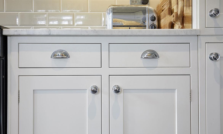 Chiddingfold-White-Shaker-Kitchen-CS6