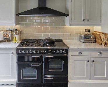 Chiddingfold-White-Shaker-Kitchen-CS7