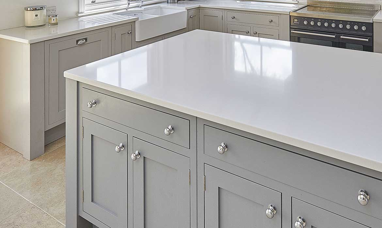 Wgite composite stone kitchen worksurface